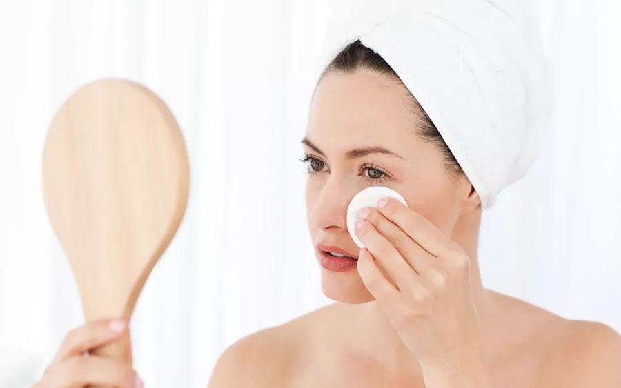 Очищение кожи лица - профилактика от прыщей