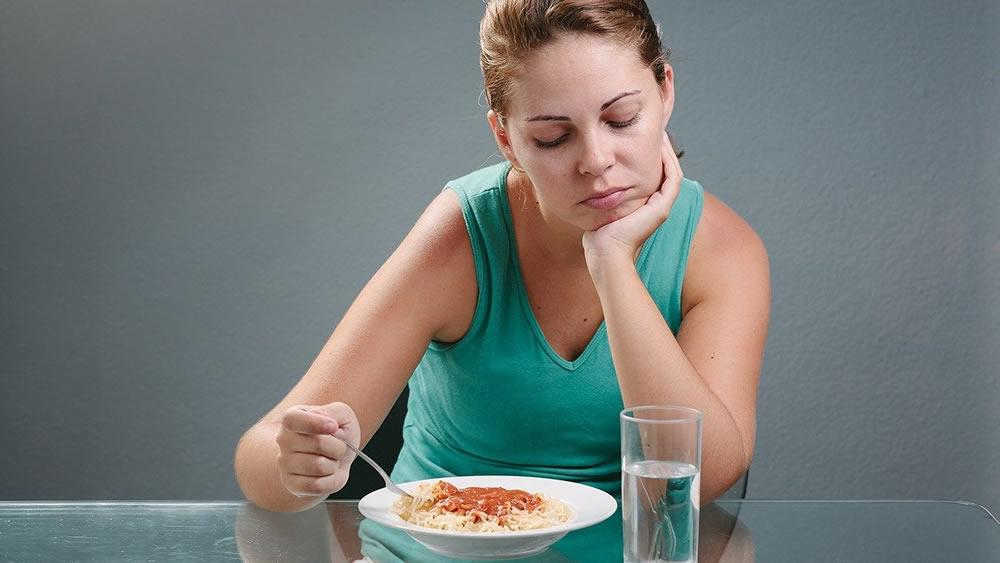Потеря аппетита как причина прыщей