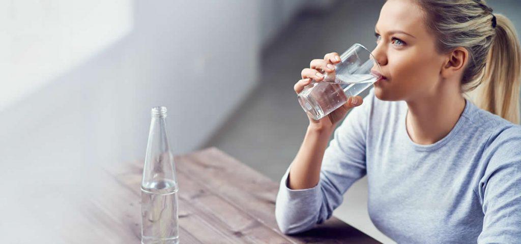 Прыщи от пота - Пить необходимое количество воды