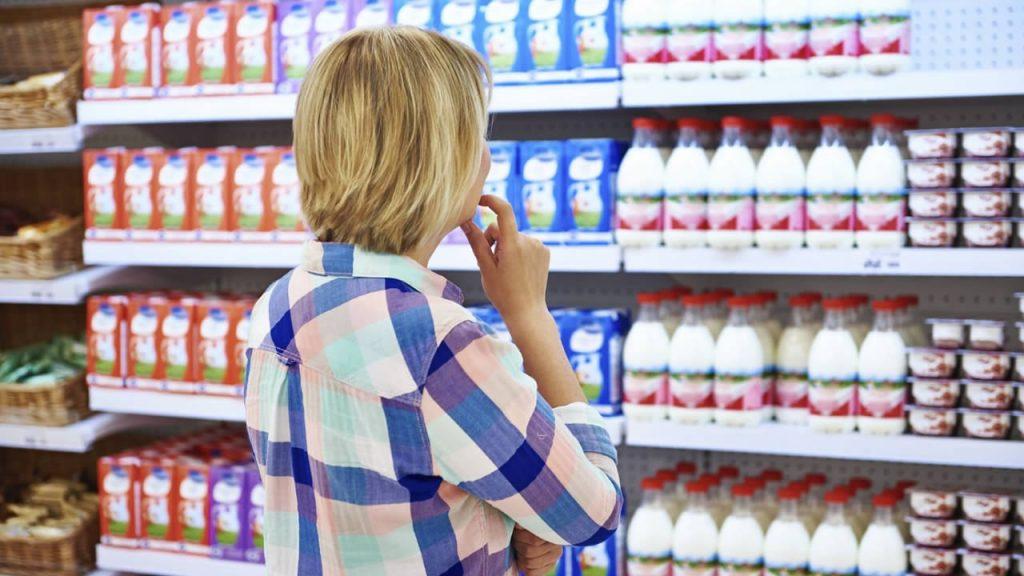 Прыщи - Чем опасны магазинные молочные продукты?