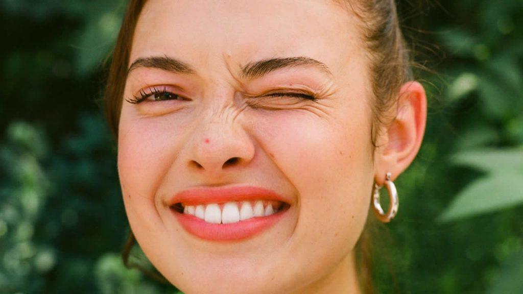 Народные приметы - Что означает прыщ на носу?